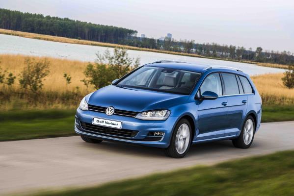 Volkswagen Golf Variant chega à linha 2017 com motor mais potente e novos equipamentos