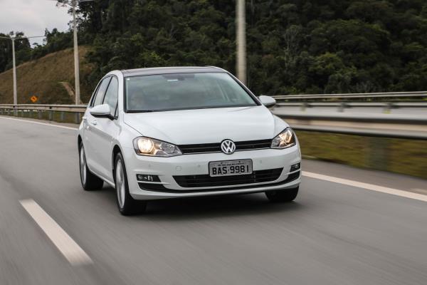 Volkswagen  lança  Golf Comfortline com motor TSI Total Flex de 125 cv