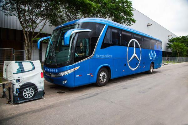 Mercedes-Benz lança exclusivos sistemas inteligentes de segurança para ônibus