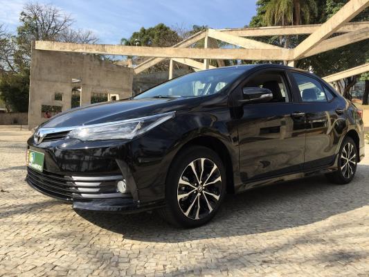 Toyota Corolla 2018 tem visual arrojado em versão XRS