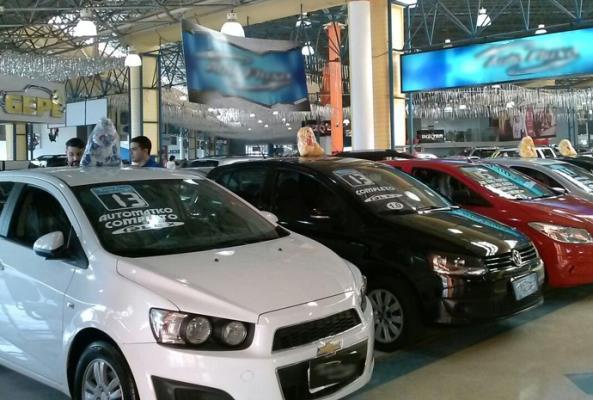 Transações de veículos usados crescem14,69% em agosto
