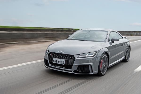 Desempenho poderoso: novo Audi TT RS desembarca no Brasil